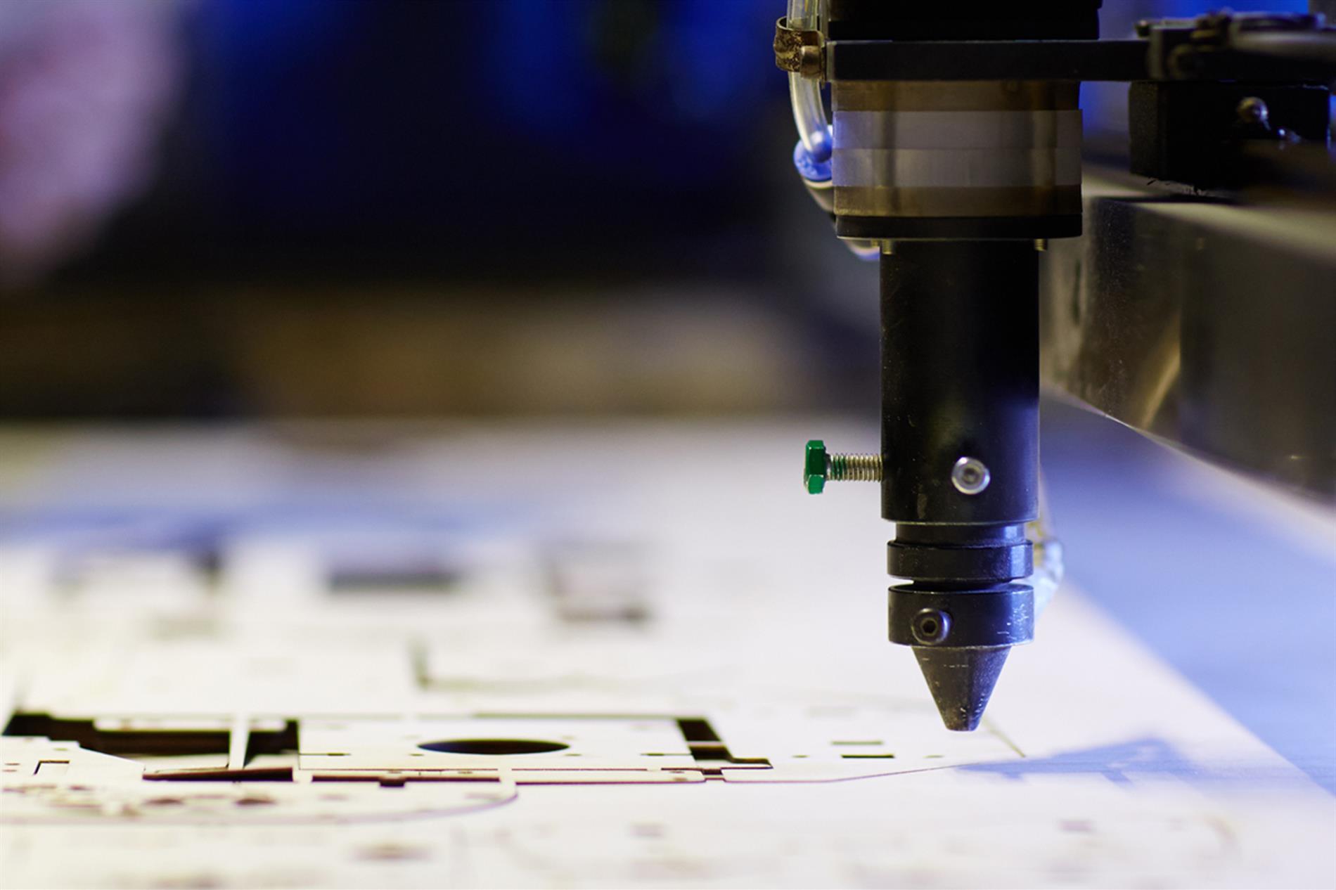 روش های حکاکی فلز با دستگاه های لیزر در ایران فلز چگونه است؟ - گروه صنعتی ایران فلز